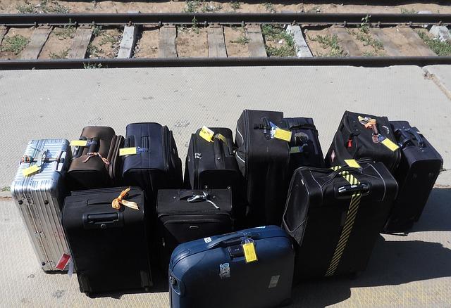 Handgepäck: Koffer und Trolleys